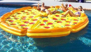 Pizza hinchable flotador gigante